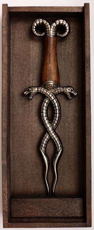 Conan der Barbar Dolch Der Giftzahn der Schlange Kiste auf