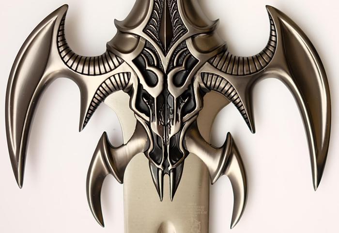 Dark Exotath Schwert zum 20. Jahrestag - Sonderversion Parierstange