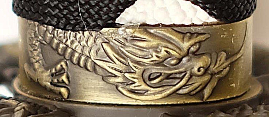 Samuraischwert Drache Weiß Schwarz Drache am Griff