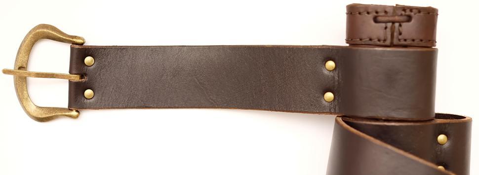 Schwertscheide kaufen Standardversion für Ritterschwerter und Wikingerschwerter Schnalle