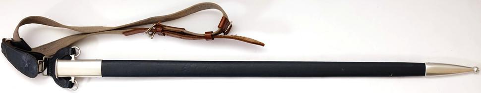 Wehrmacht Luftwaffe (WL) Schwert für Offiziere Original mit Unterschnallgurt die Scheide